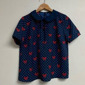 Forever 21 navy Peter Pan blouse in red bows print